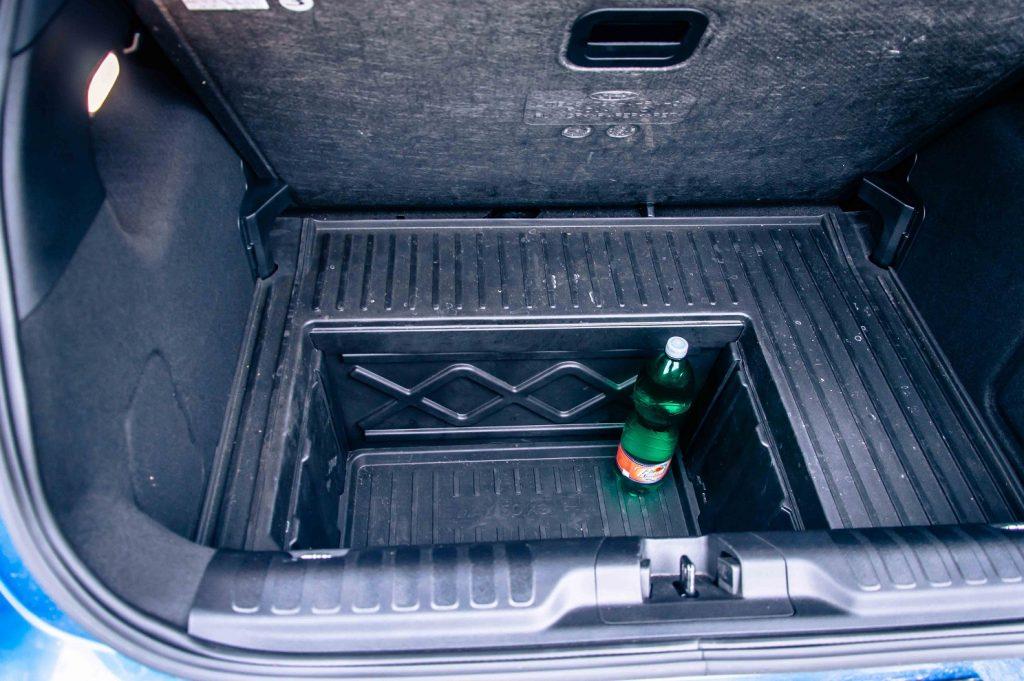 Najväčšie prekvapenie batožinového priestoru v podobe tzv. MegaBoxu je ukryté pod úrovňou podlahy