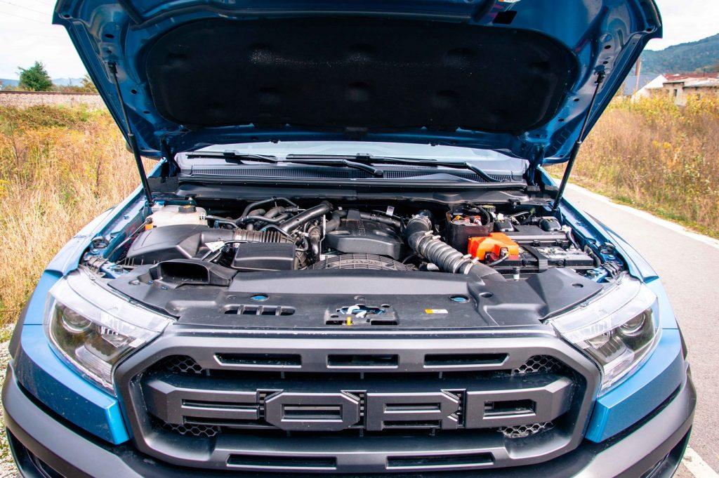 Raptor poháňa výhradne najvýkonnejšia verzia turbodiesla 2,0 TDCi Ecoblue