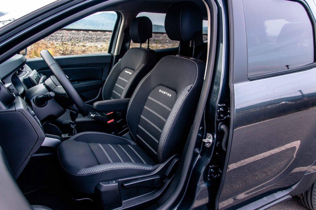 Celkový jazdný komfort modelu Duster dopĺňajú pohodlné predné sedačky
