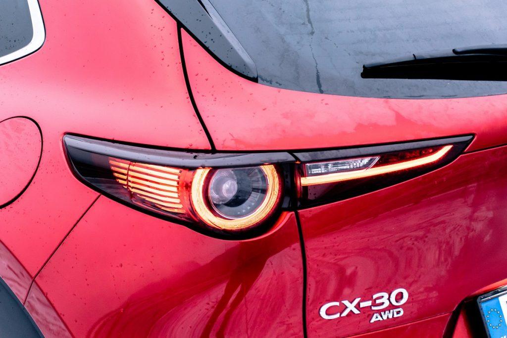 Model CX-30 veľkostne vypĺňa priestor medzi modeli Mazda CX-3 a Mazda CX-5